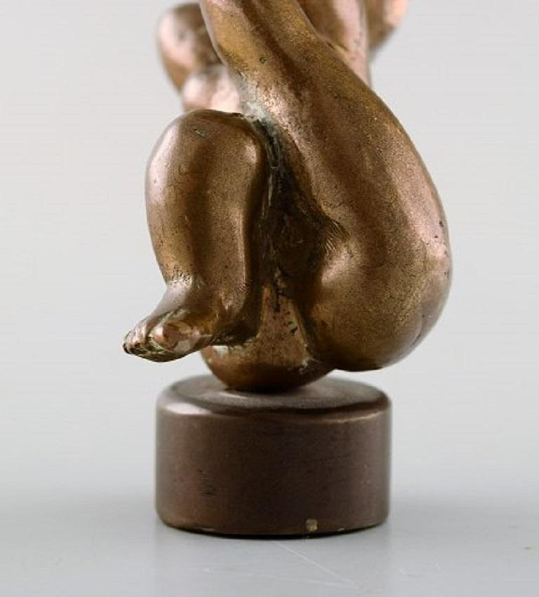 Danish Bronze Sculptor, a Pair of Patinated Bronze Figures, Naked Women In Good Condition For Sale In Copenhagen, Denmark