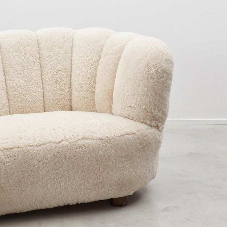Mid-Century Modern Danish Cabinetmaker Banana Sofa For Sale