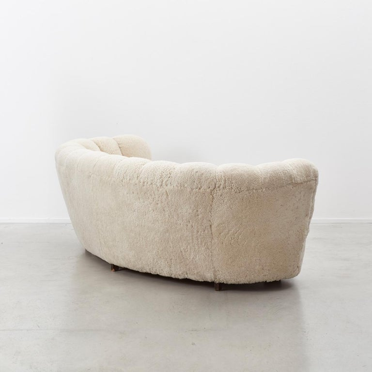 Danish Cabinetmaker Banana Sofa In Excellent Condition For Sale In London, GB