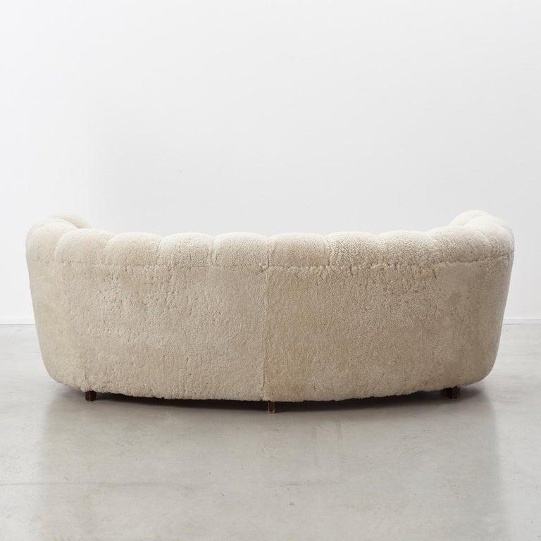 20th Century Danish Cabinetmaker Banana Sofa For Sale