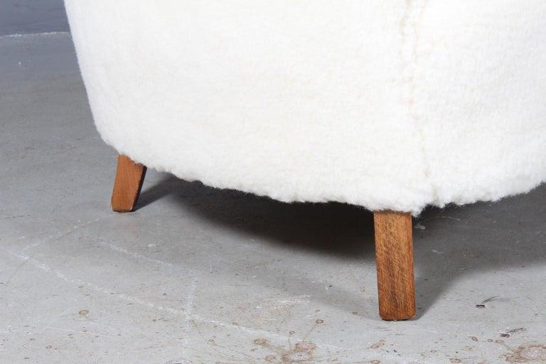 Scandinavian Modern Danish Cabinetmaker Love Seat Sofa Lambwool Sofa, 1940s For Sale