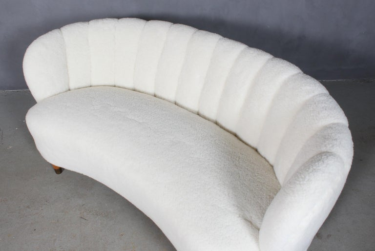 Danish Cabinetmaker Two½-Seat Sofa Lambwool Sofa, 1940s In Excellent Condition For Sale In Esbjerg, DK