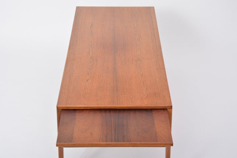 Extendable Danish Mid-Century Modern coffee table by Johannes Andersen For Sale 7