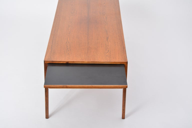 Extendable Danish Mid-Century Modern coffee table by Johannes Andersen For Sale 9