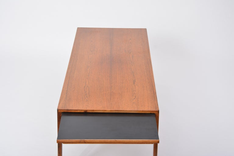 Extendable Danish Mid-Century Modern coffee table by Johannes Andersen For Sale 10