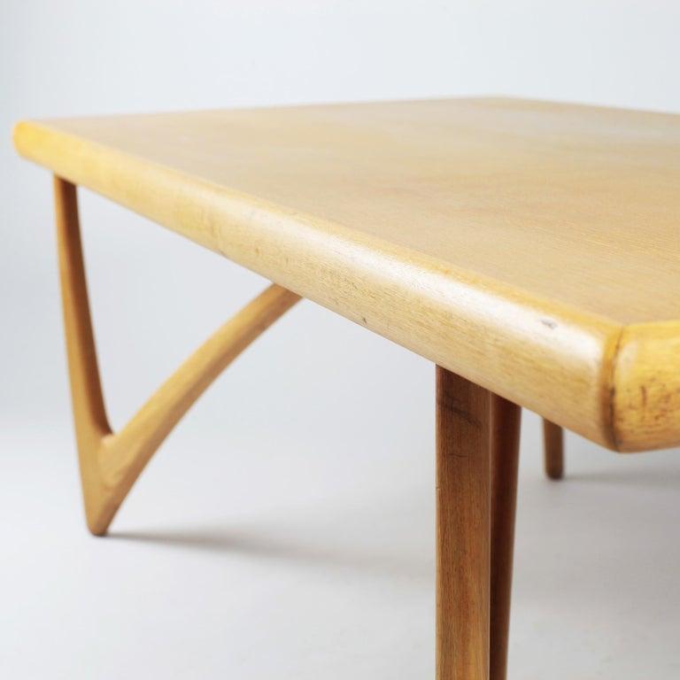 Danish Coffee Table in Oak, 1960s For Sale 6
