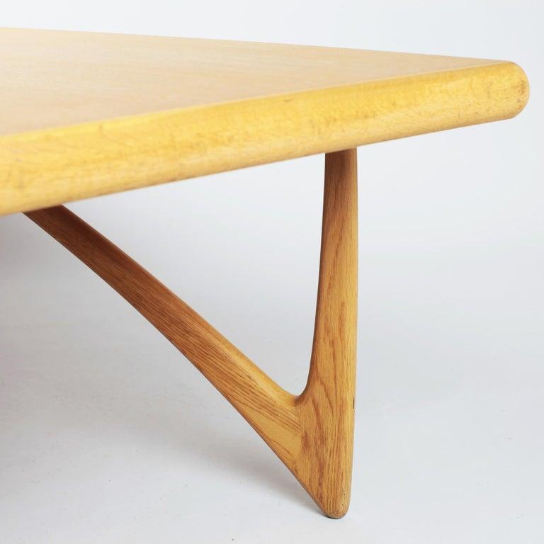 Danish Coffee Table in Oak, 1960s For Sale 7