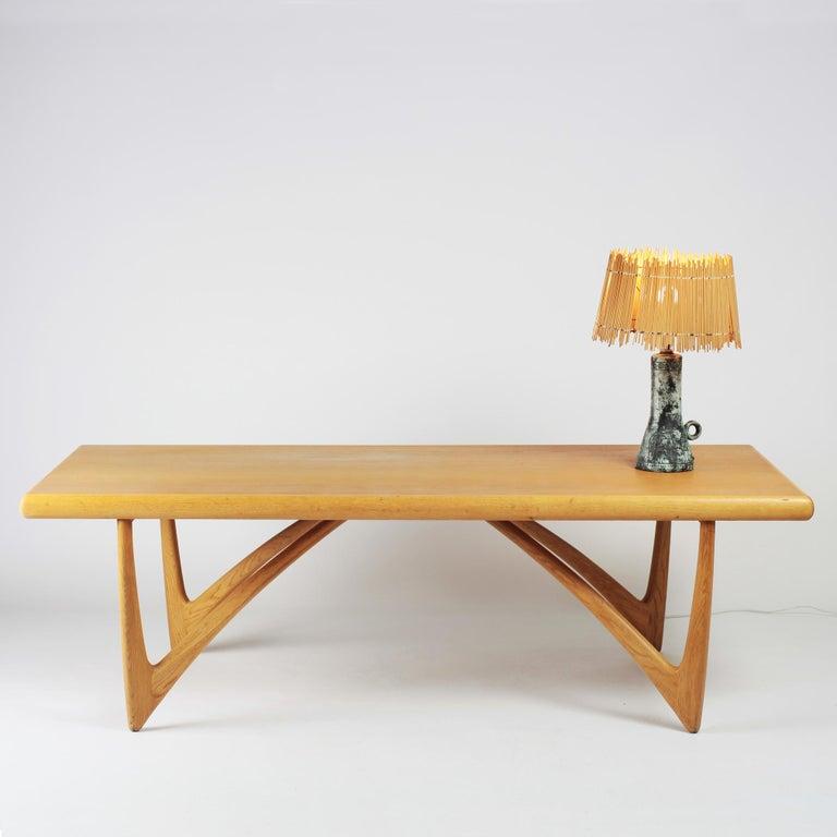 Danish Coffee Table in Oak, 1960s For Sale 11