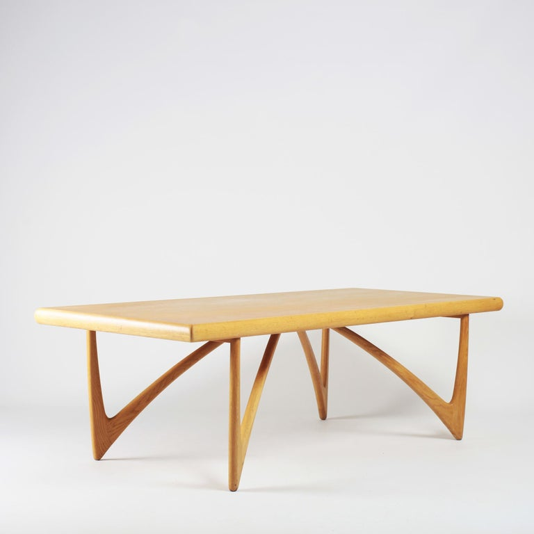 Large and elegant coffee table or sofa table in oak from Denmark from the 1960s.
