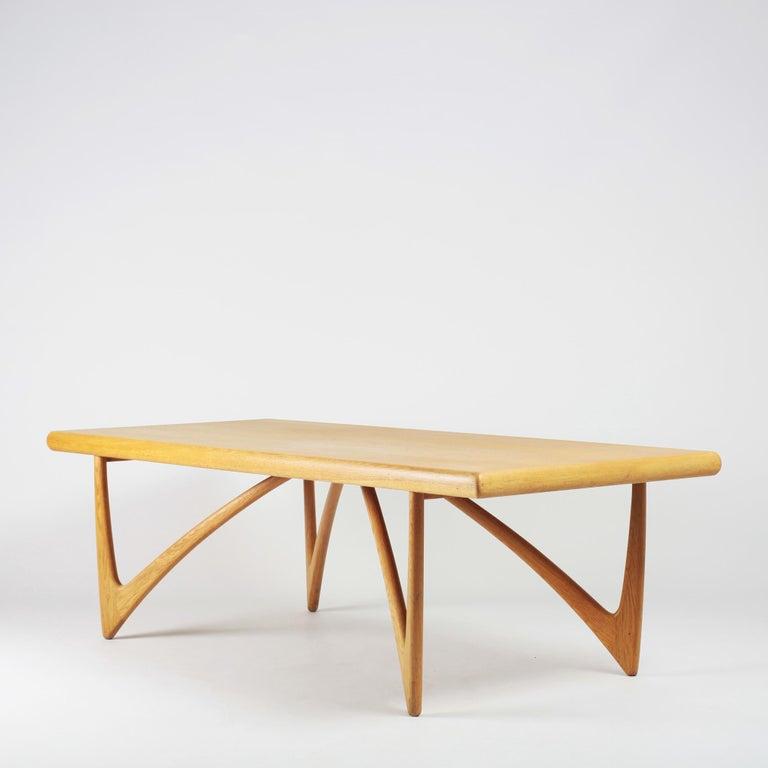 Scandinavian Modern Danish Coffee Table in Oak, 1960s For Sale
