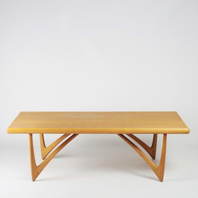 Danish Coffee Table in Oak, 1960s For Sale 2