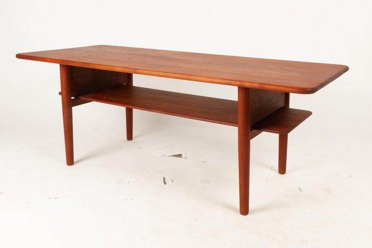 Mid-Century Modern Danish Coffee Table in Solid Teak by Ib Kofod-Larsen, 1950s For Sale