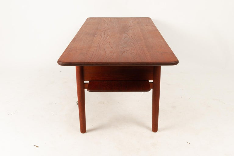 Danish Coffee Table in Solid Teak by Ib Kofod-Larsen, 1950s For Sale 1