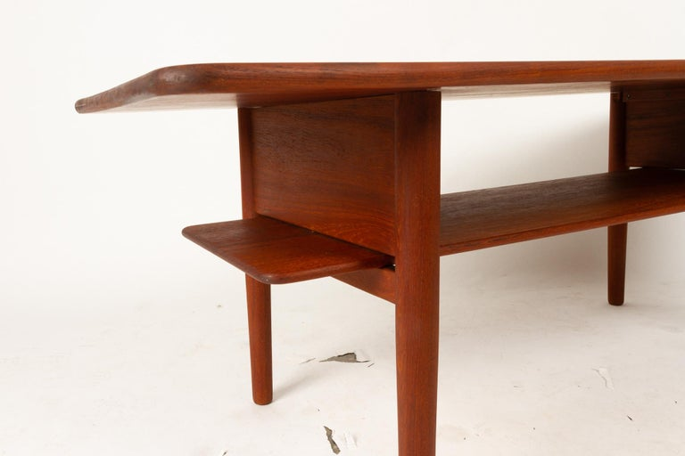 Danish Coffee Table in Solid Teak by Ib Kofod-Larsen, 1950s For Sale 2