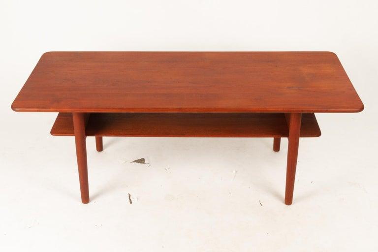 Danish Coffee Table in Solid Teak by Ib Kofod-Larsen, 1950s For Sale 4