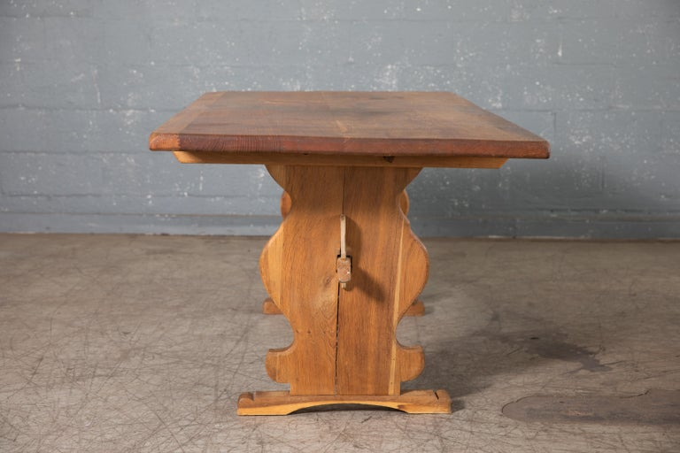 Danish Country Style Dining Table in Oak, ca. Early 1900s 7