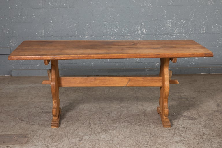 We found this charming country table in Denmark - entirely made of thick solid oak and held together without any use screw, nails or other hardware just tongue in groove and wooden pegs. Probably made around 1900 or late 1800's when these tables