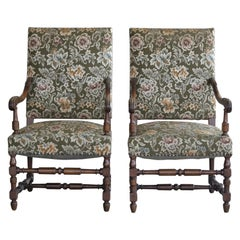 Danish Country Style Pair of Throne Chairs in Carved Oak, circa 1900