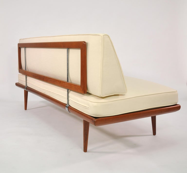 Danish Daybed Minerva by Peter Hvidt for France & Daverkosen In Good Condition For Sale In Miami, FL