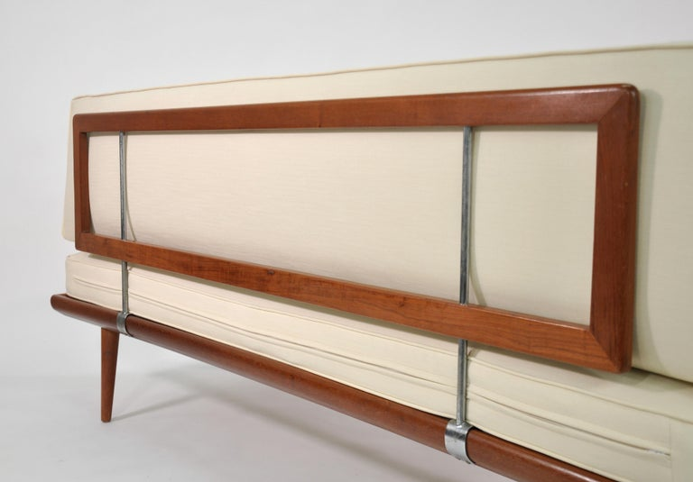 Mid-20th Century Danish Daybed Minerva by Peter Hvidt for France & Daverkosen For Sale