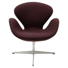 Danish Design Classic, Swan Chair by Arne Jacobsen for Fritz Hansen