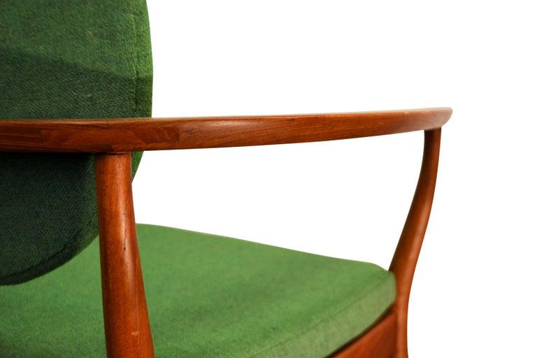 Danish Design Finn Juhl Style Teak Lounge Chair For Sale 1