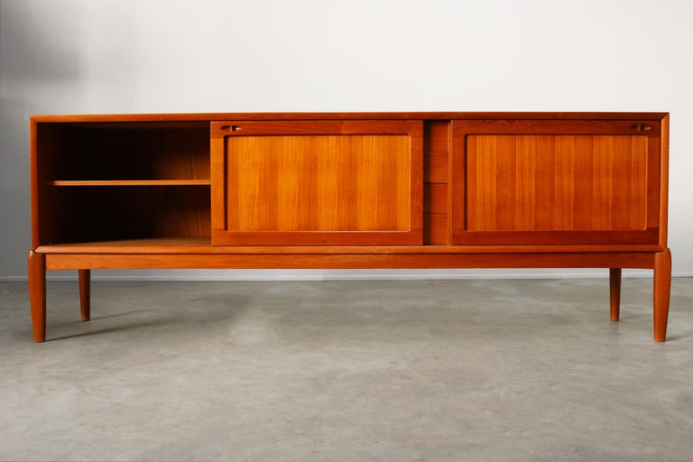Danish Design Sideboard / Credenza by H.W. Klein for Bramin Teak Brown, 1950s In Good Condition For Sale In Ijzendijke, NL