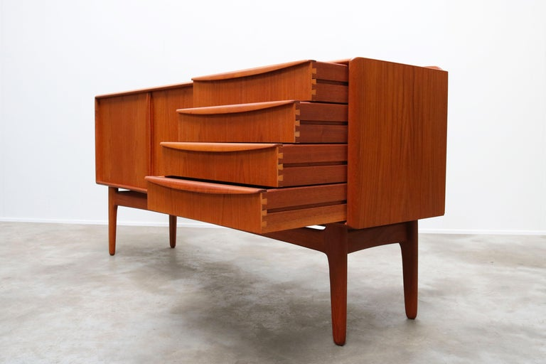 Danish Design Sideboard / Credenza by Svend Aage Madsen for K. Knudsen & Son For Sale 7