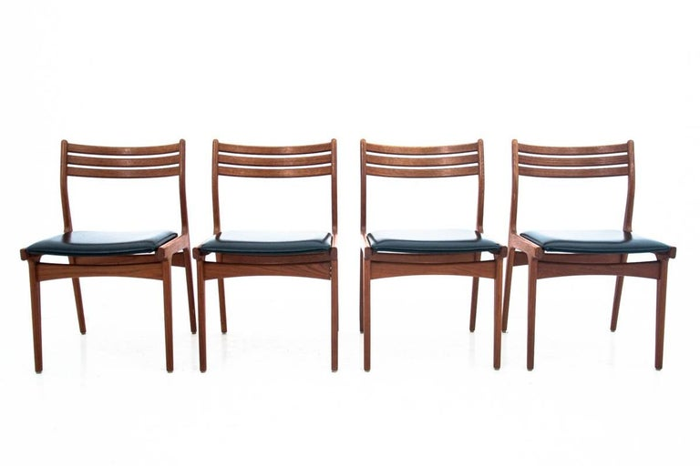 Scandinavian Modern Danish Dining Table and Chairs Set, 1960s, Set of 5