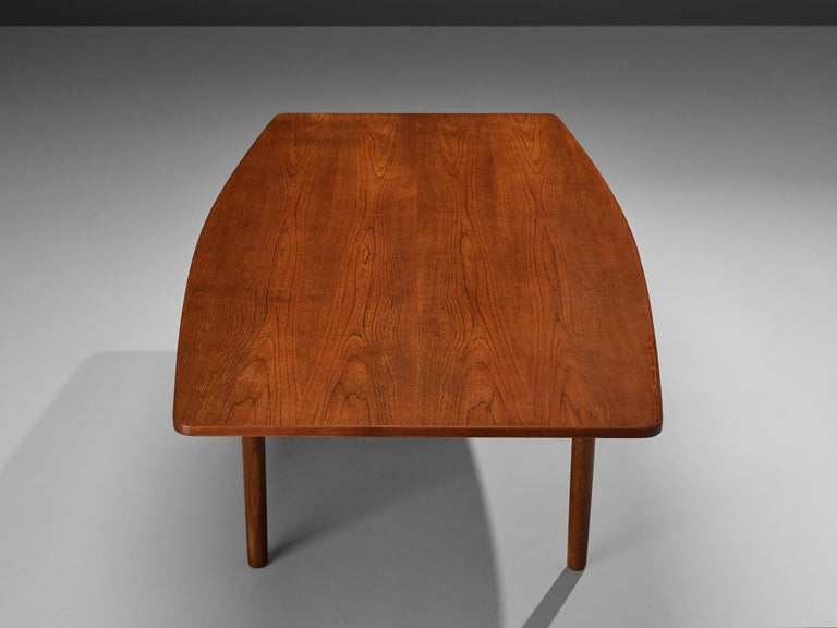 Scandinavian Modern Danish Dining Table in Teak with Boat-Shaped Top For Sale