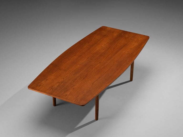 Mid-20th Century Danish Dining Table in Teak with Boat-Shaped Top For Sale