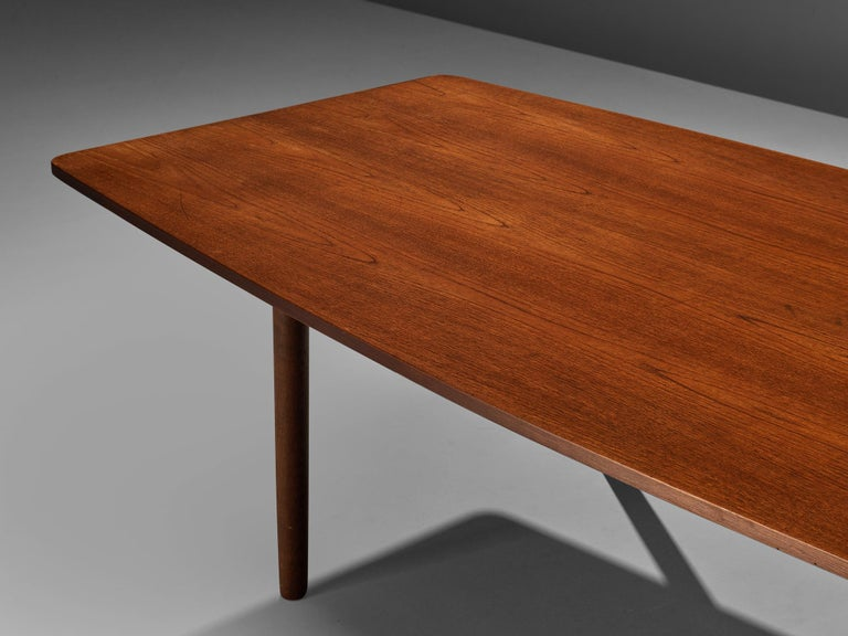 Danish Dining Table in Teak with Boat-Shaped Top For Sale 2