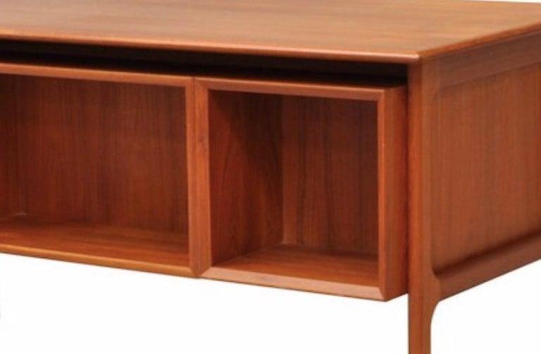 Danish Double-Sided Teak Desk by Arne Vodder for Sibast, 1960 In Good Condition In Avignon, Vaucluse