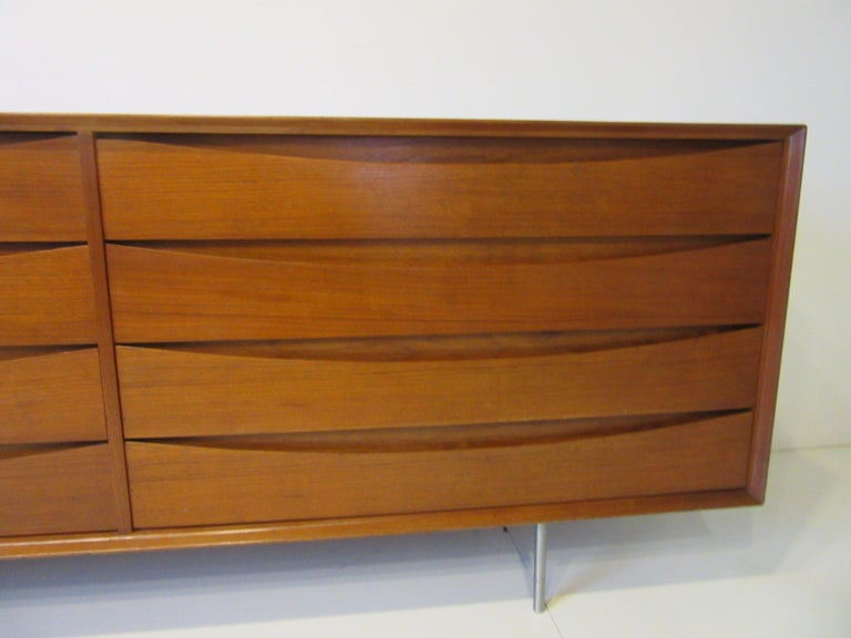 Mid-Century Modern Danish Dresser by Arne Vodder for Sibast For Sale