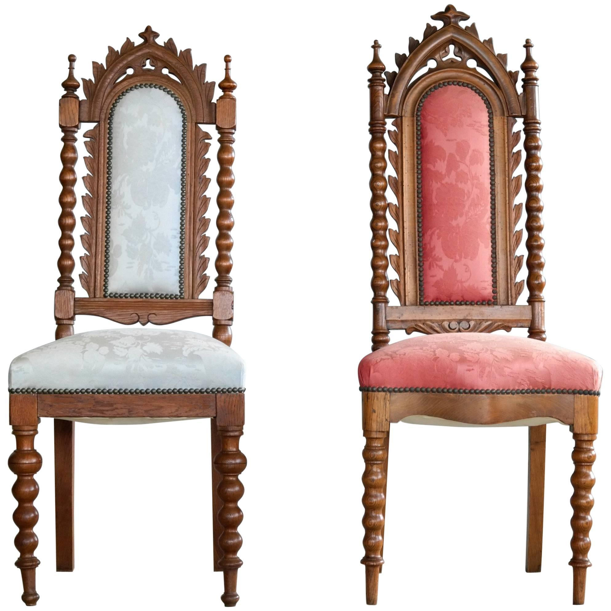 Superieur Danish Early 20th Century Neo Gothic Style Side Chairs In Carved Polished  Oak For Sale