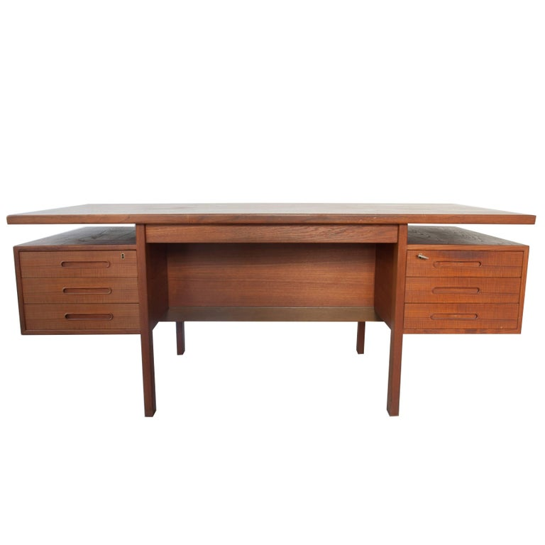 Danish Executive Freestanding Desk in Teak Designed in 1962