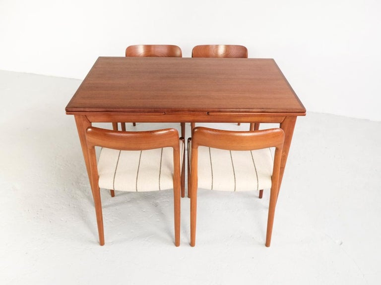 Danish Extendable Table in Teak with 2 Extensions by Møller, 1960s For Sale 6