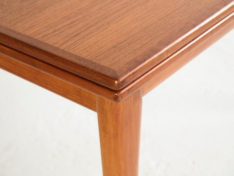 Danish Extendable Table in Teak with 2 Extensions by Møller, 1960s In Good Condition For Sale In Beveren, BE