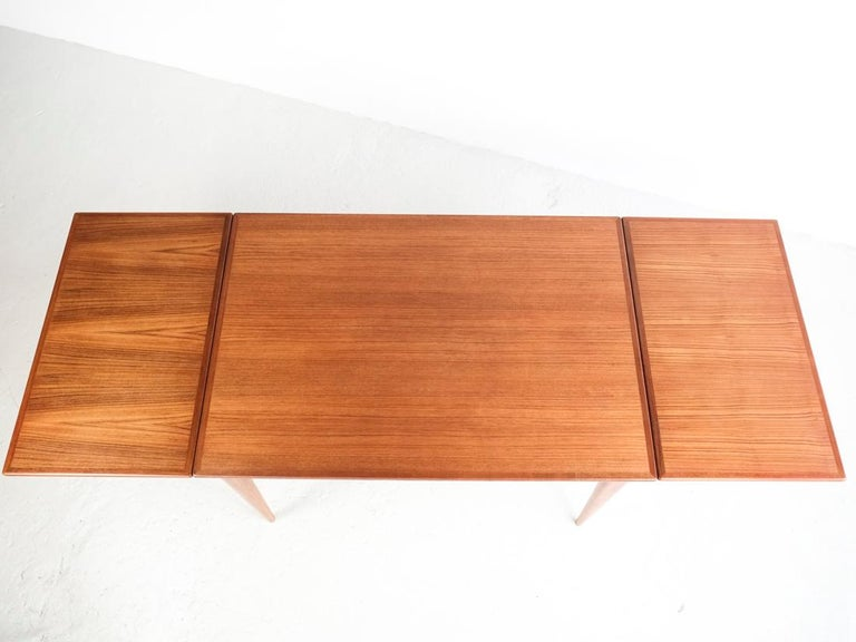 Danish Extendable Table in Teak with 2 Extensions by Møller, 1960s For Sale 3