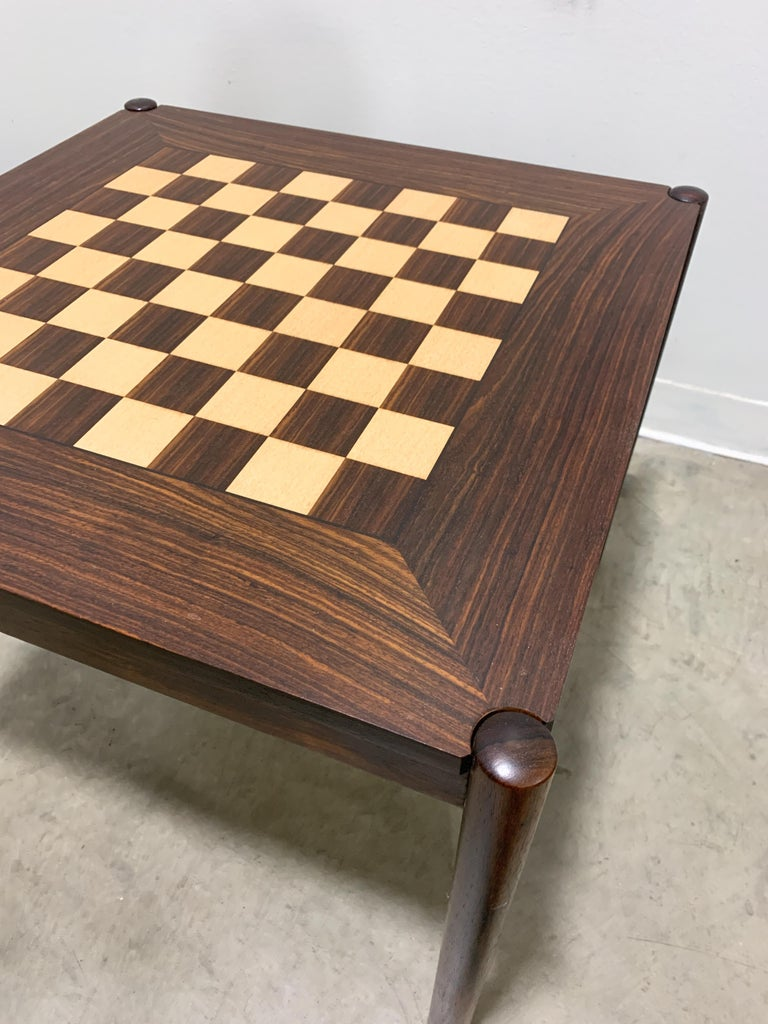 Danish Flip Top Chess Table in Rosewood In Excellent Condition For Sale In Kalamazoo, MI