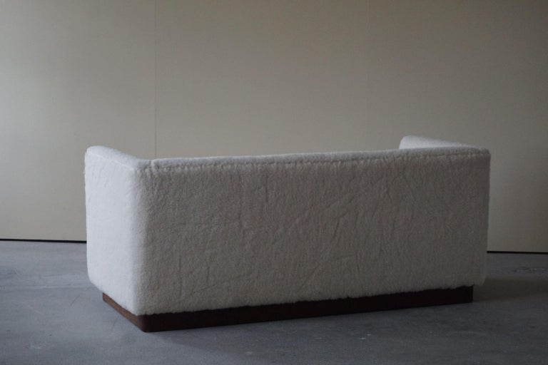 Danish Freestanding Art Deco 3-Seater Sofa Reupholstered in Sheep Skin, 1930s For Sale 7