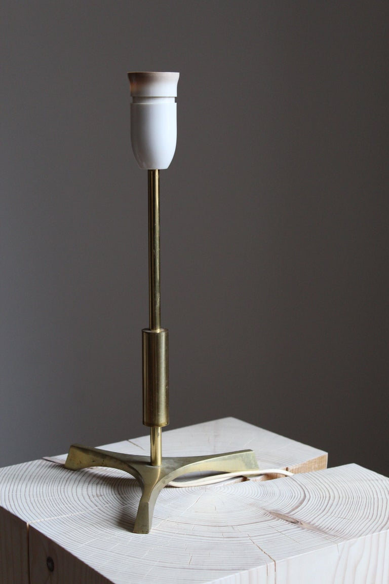 Danish, Functionalist Table Lamp, Brass, Denmark, 1950s In Good Condition For Sale In West Palm Beach, FL