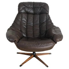 Danish Leather Swivel Lounge Chair by H.W. Klein for Bramin