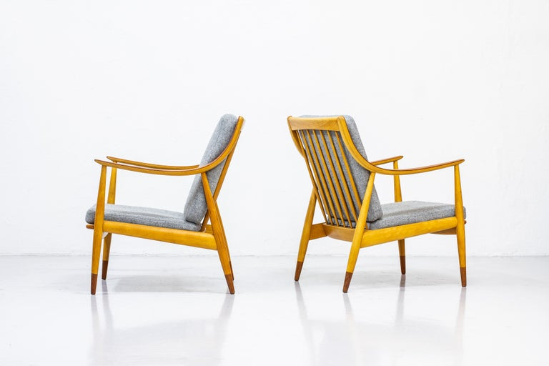 Pair of easy chairs model
