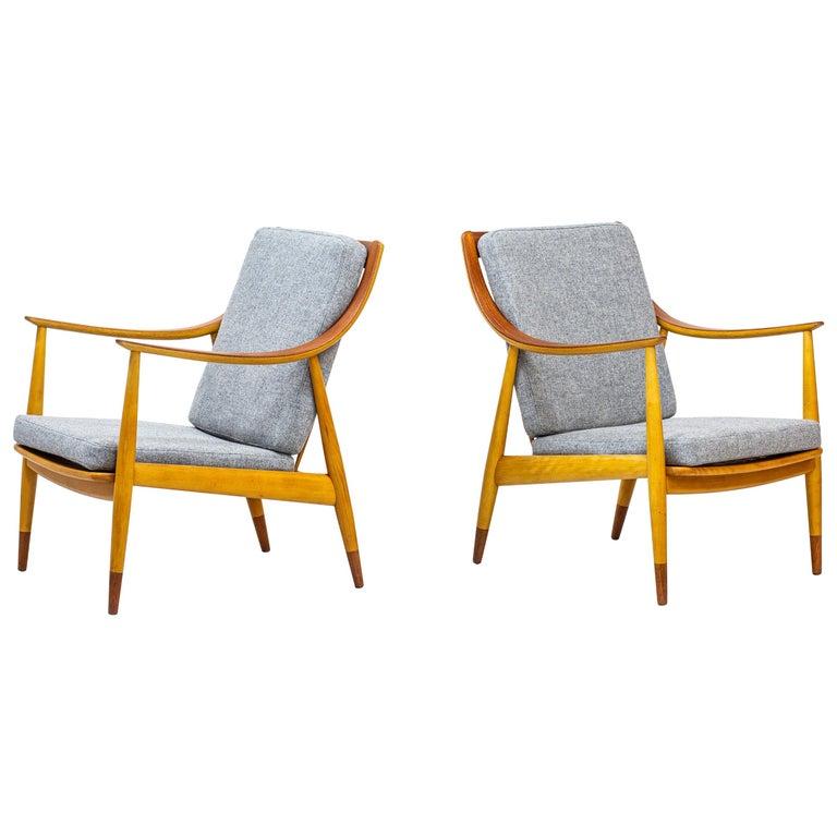 "Danish lounge chairs ""FD 145"" by Peter Hvidt & Orla Mølgaard-Nielsen For Sale"