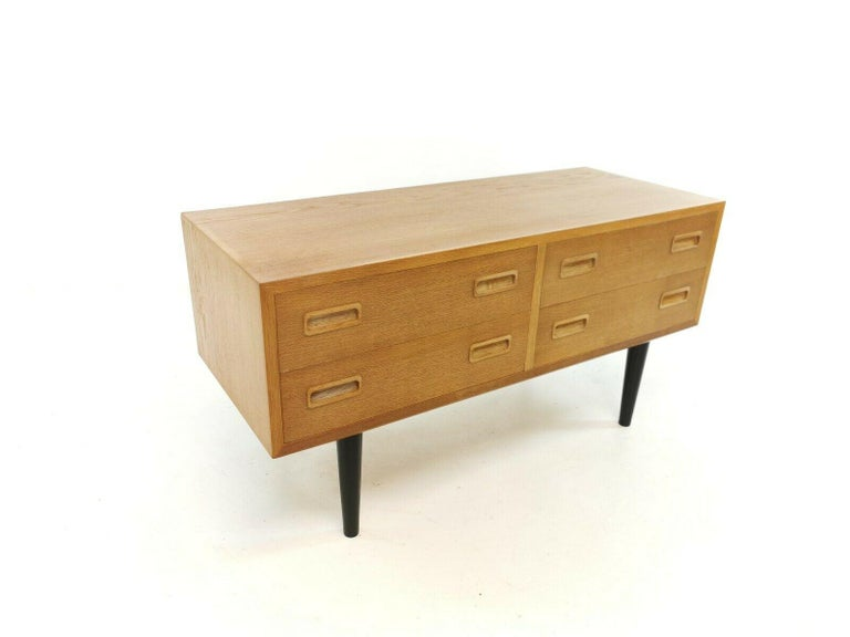 Danish Low Boy Chest of Drawers by Hundevad 1960s-1970s Midcentury Vintage For Sale 3