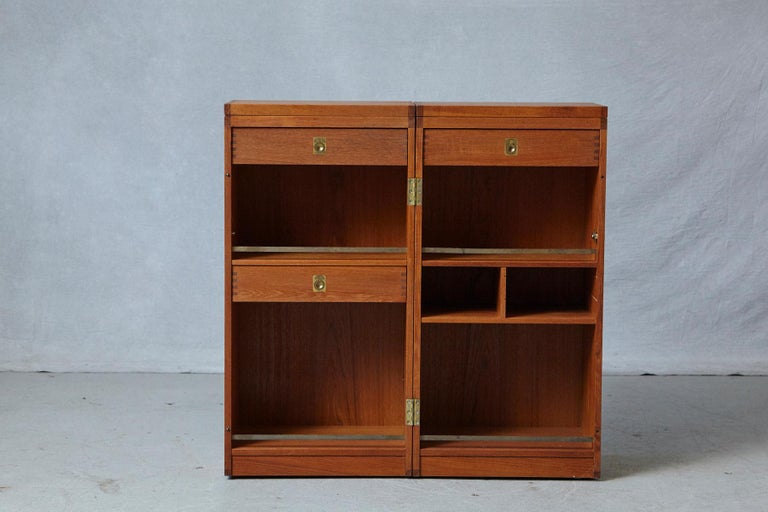 Danish Metamorphic 'Captain's Bar' Teak Bar by Reno Wahl Iversen for Dyrlund In Good Condition For Sale In Pau, FR