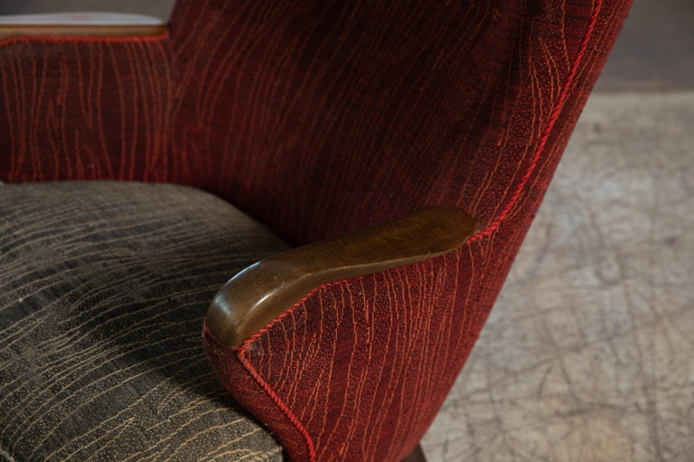 Danish Mid-Century 1950's Lounge Chair with Teak Accent on Armrests For Sale 4