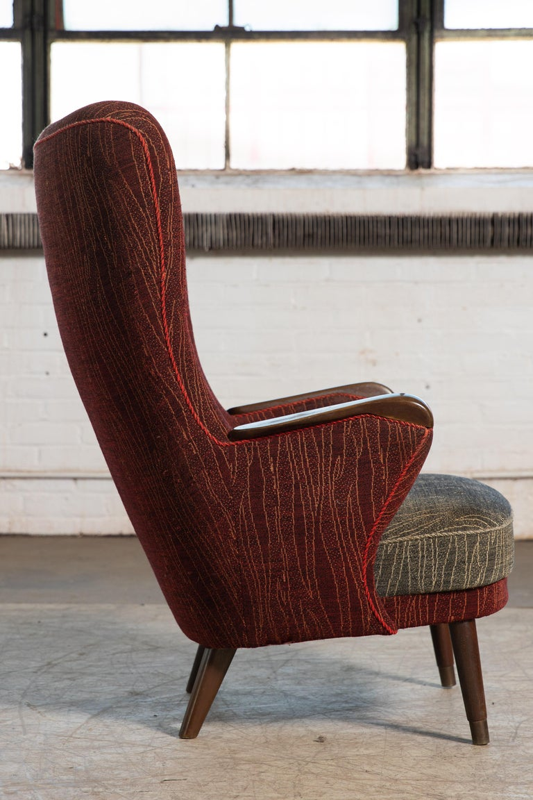 Danish Mid-Century 1950's Lounge Chair with Teak Accent on Armrests In Good Condition For Sale In Bridgeport, CT