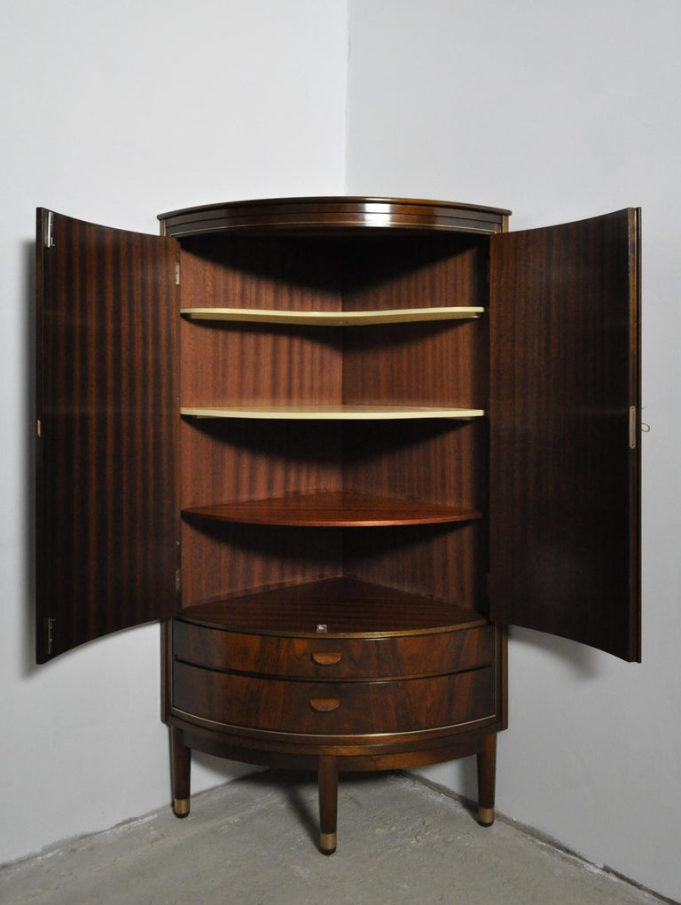 Danish Midcentury Corner Cupboard in Mahogany, Denmark, 1960s For Sale 1